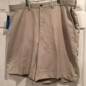 New Mens 42 Waist Haggar Adjustable Waist Shorts